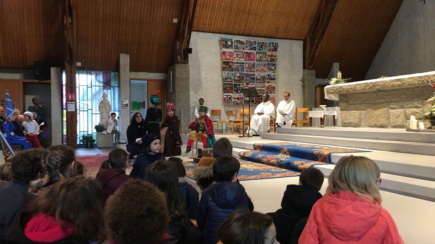 Plus d'une vingtaine d'enfants ont participé à la messe