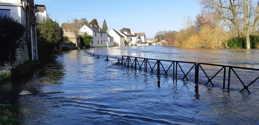 Le chemin de halage est inondé à Malestroit en cette fin décembre