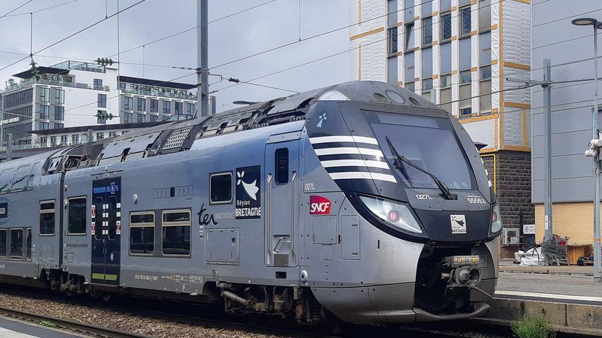 Train régional, TER, Breizh Go Bretagne. Août 2019.
