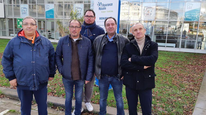 Ce mardi matin, les chauffeurs de taxis et les familles d'enfants handicapés scolarisés en Belgique étaient reçus à la CPAM à Tourcoing