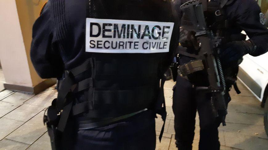 Les démineurs de la protection civile de Colmar sont intervenus passage de la demi-lune à Mulhouse.