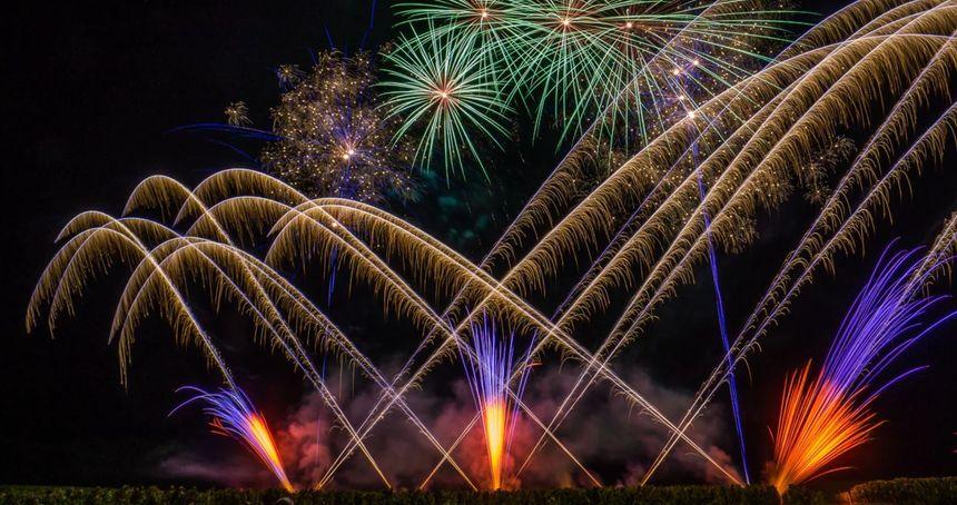 C'est la société Carat Pyrotechnie, basée dans le Lot-et-Garonne, qui se charge du spectacle cette année.