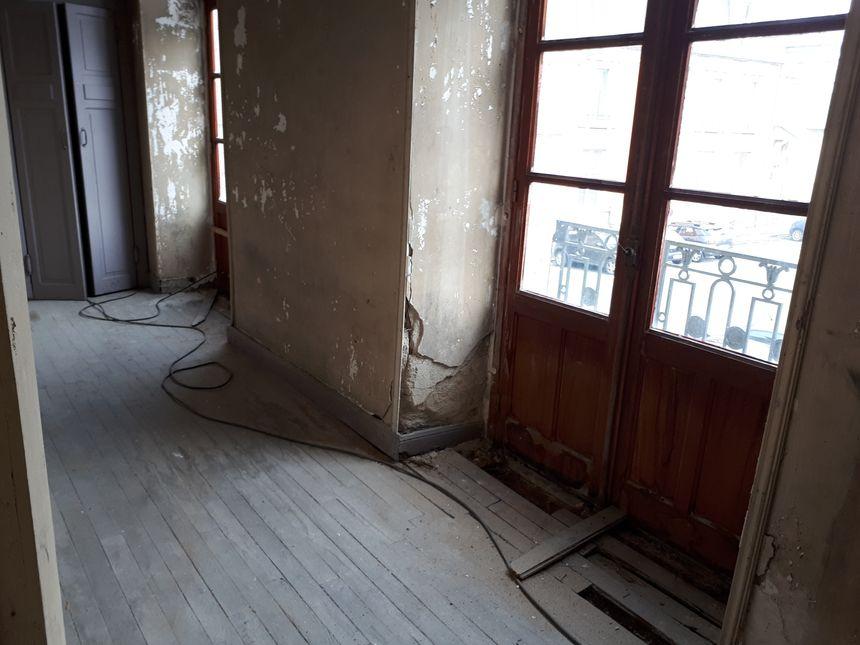 Il faudrait 2 millions et demi d'euros pour rénover ce vieux bâtiment.