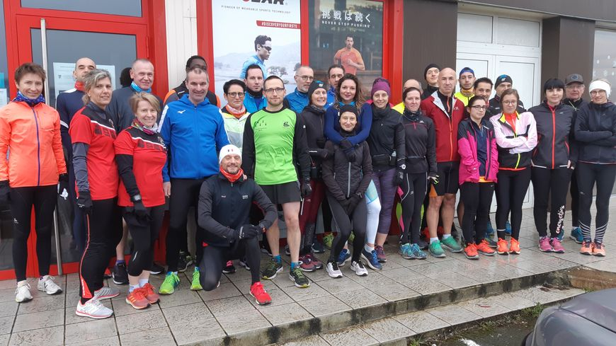Une trentaine de coureurs à pied de tous niveaux se sont rassemblés à Saint-Berthevin pour un dernier footing en 2019.