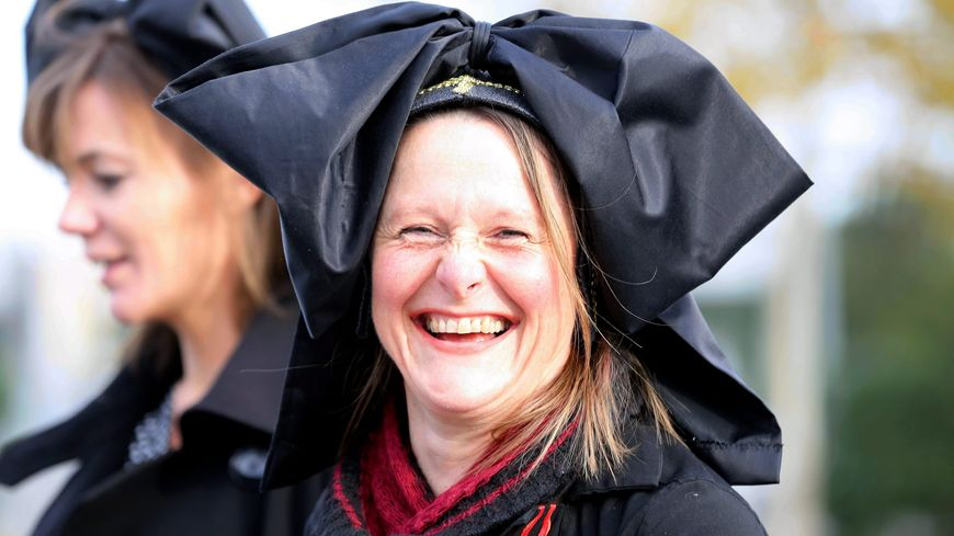 Marie-Claude Krentz porte la coiffe par amour des traditions alsaciennes et fait partie du collectif des Alsaciennes unies.