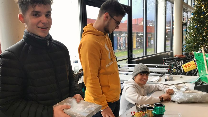Clovis, Paul et Quentin ont travaillé le 24 décembre pour payer une partie de leurs vacances.