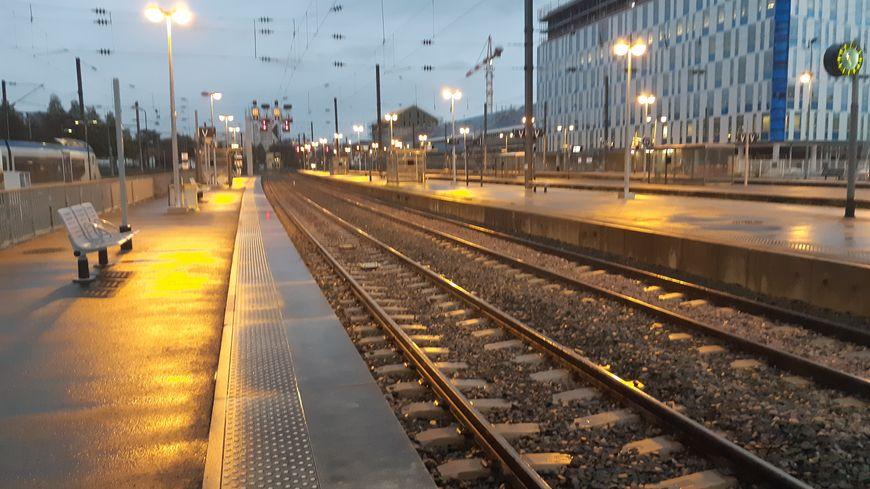 La gare de Besançon Viotte quai de la gare TGV de Besançon