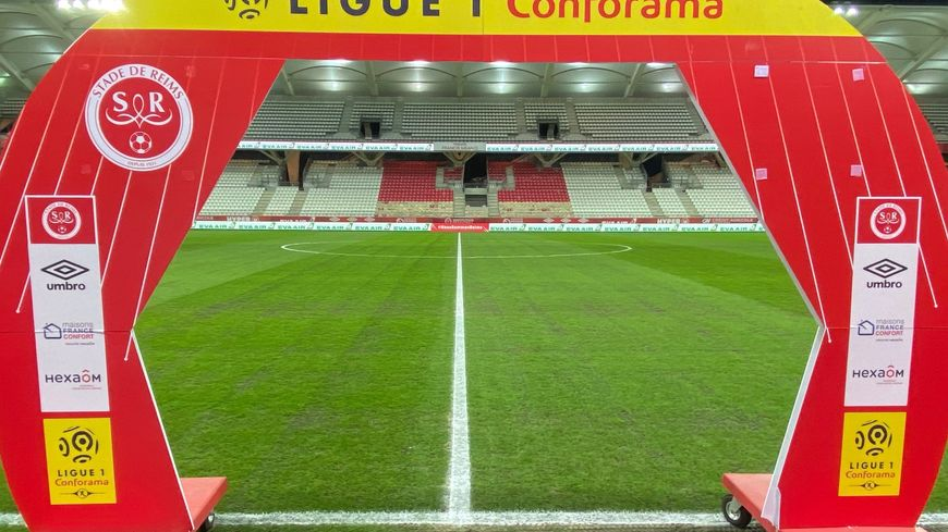 La pelouse du Stade Delaune a beaucoup souffert ces derniers jours.