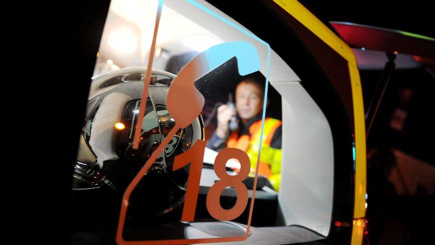 Un accident entre une voiture et un train de marchandises a fait un blessé grave dimanche 29 décembre près de Chalon-sur-Saône (image d'illustration).