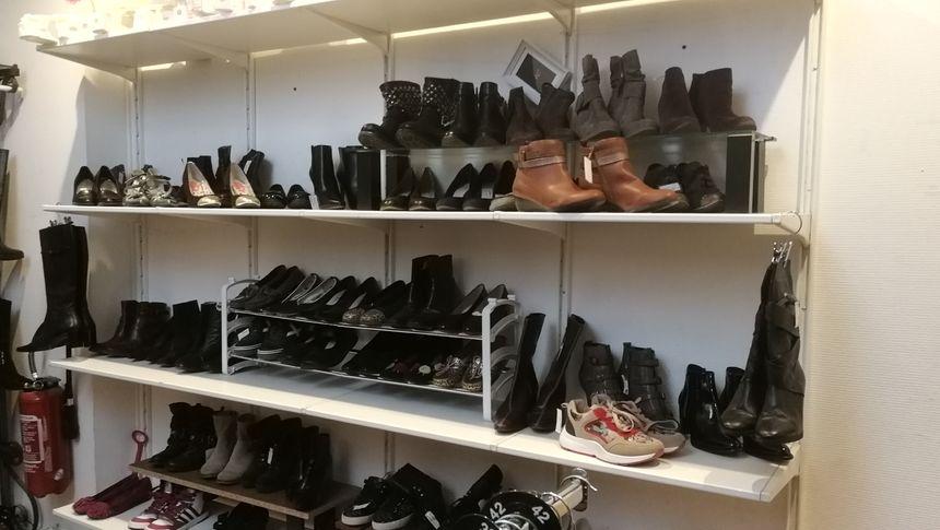 Il y a aussi des chaussures