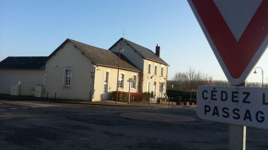 Le rond-point de Berry-Bouy, près de Bourges (Cher)