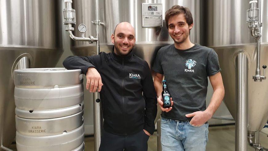 Ghjuvan-Petru PIERI et Michael MATTEI, brasseur et apprenti brasseur au service de Jean-François RENUCCI pour la bière KIARA