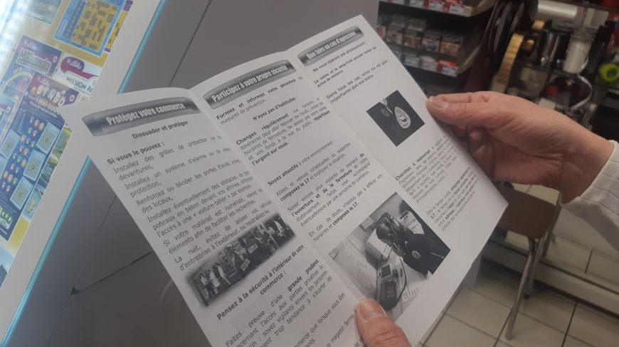 Un dépliant compilant les bonnes attitudes à avoir a été distribué aux commerçants de Châteauroux