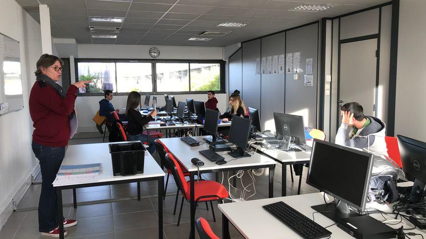 Une école de la deuxième chance a ouvert ses portes à Bayonne