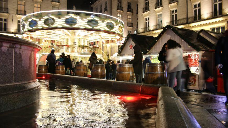 Le jeune homme a été retrouvé place Royale où est installé une partie du marché de Noël (photo d'illustration)