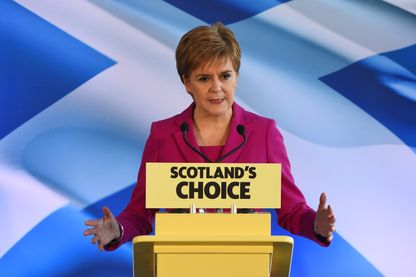 La leader du Scottish National Party Nicola Sturgeon après la victoire écrasante de son parti en Ecosse
