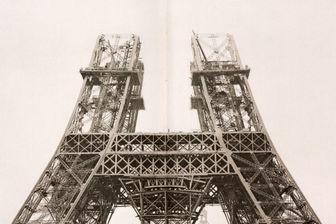 """Dans la base Gallica, extrait du livre """"La tour de 300 mètres"""" de Gustave Eiffel, comportant toutes les étapes de sa construction"""