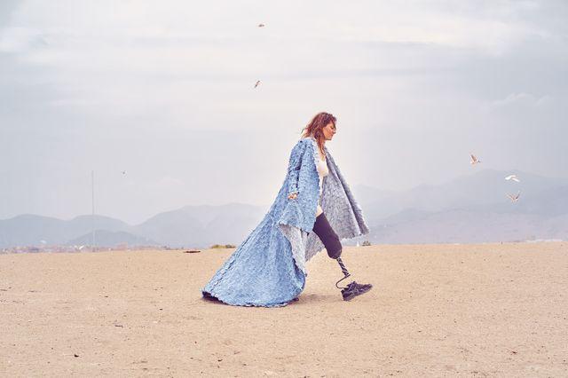 Pernelle a posé pour le photographe Ricardo Montoya dans le désert péruvien.