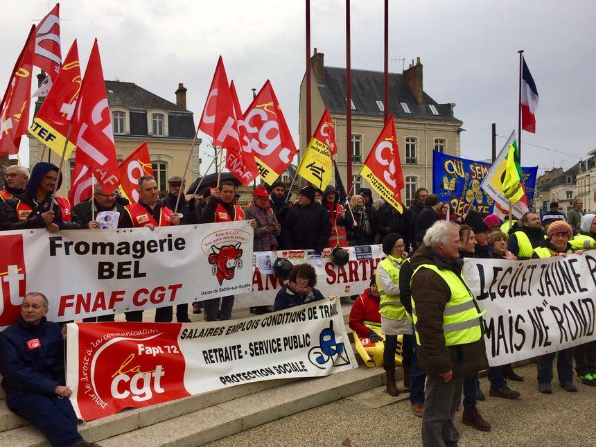 La manifestation a réuni salariés du privé et du public au Mans