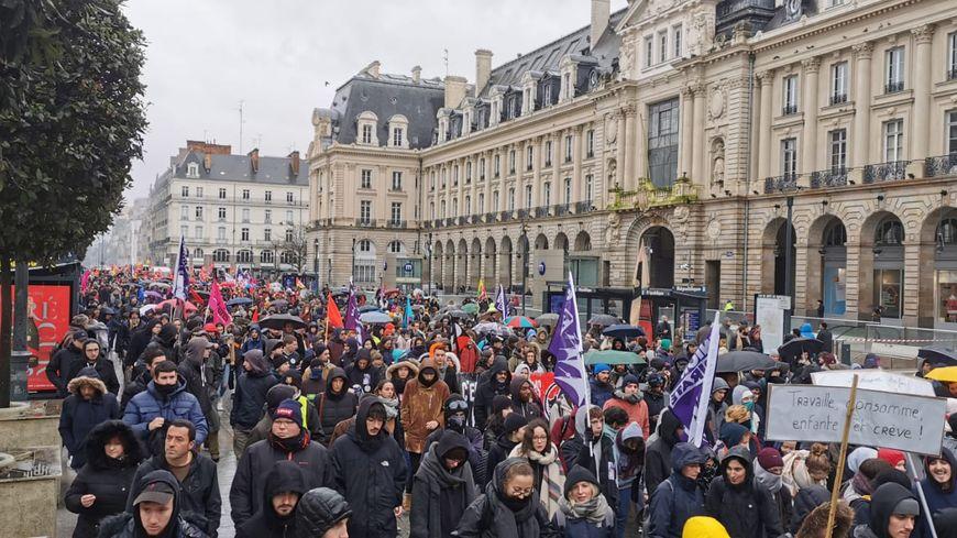 Les syndicats parlent de 3000 manifestants dans les rues de Rennes jeudi 12 décembre contre la réforme des retraites
