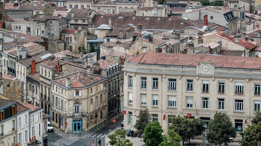 Malgré une stabilisation des prix des logements à Bordeaux, les acheteurs restent prudents.