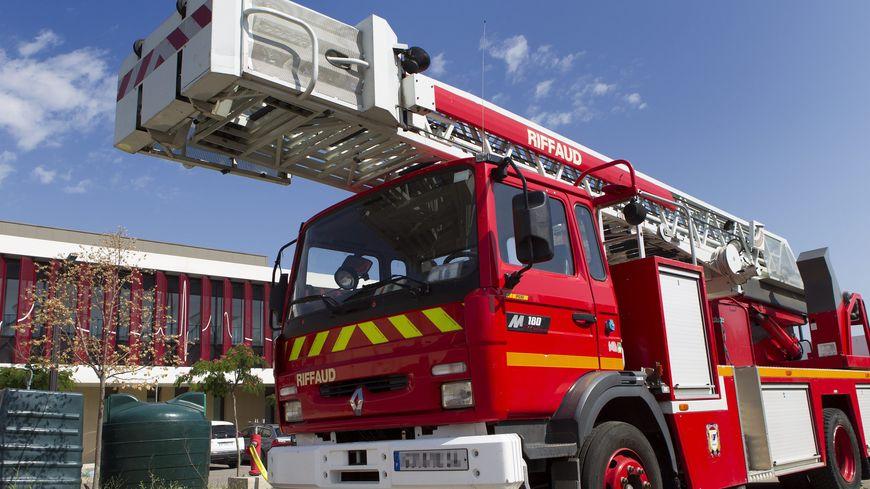 Les pompiers du Mans, de Changé, de Téloché et du Grand Lucé sont intervenus pour maîtriser l'incendie. (image d'illustration)