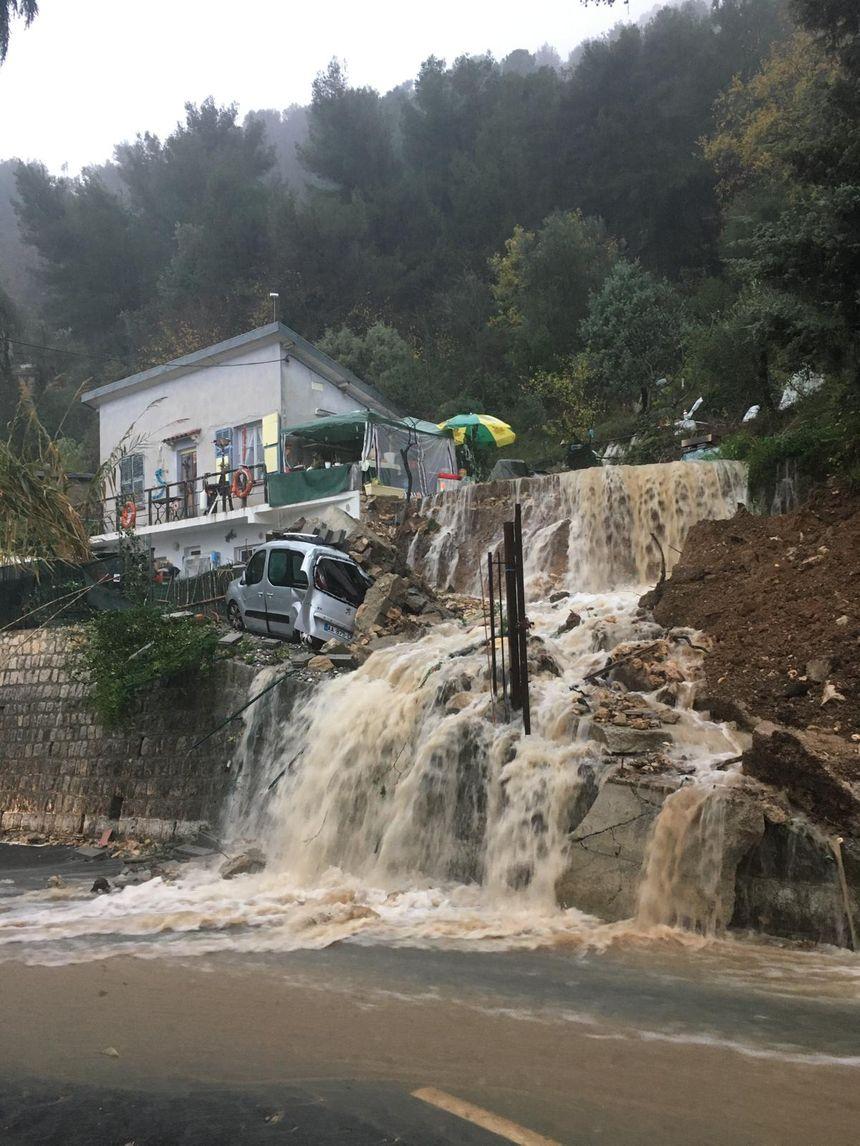 Une maison menacée par un éboulement à Saint-Agnès, pas de victime heurusement