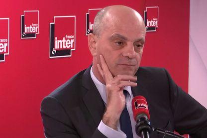 Jean-Michel Blanquer, invité de 7h50 sur France Inter le 10 décembre 2019, a accusé la mairie de Paris de ne rien faire pour favoriser le service minimum dans les écoles