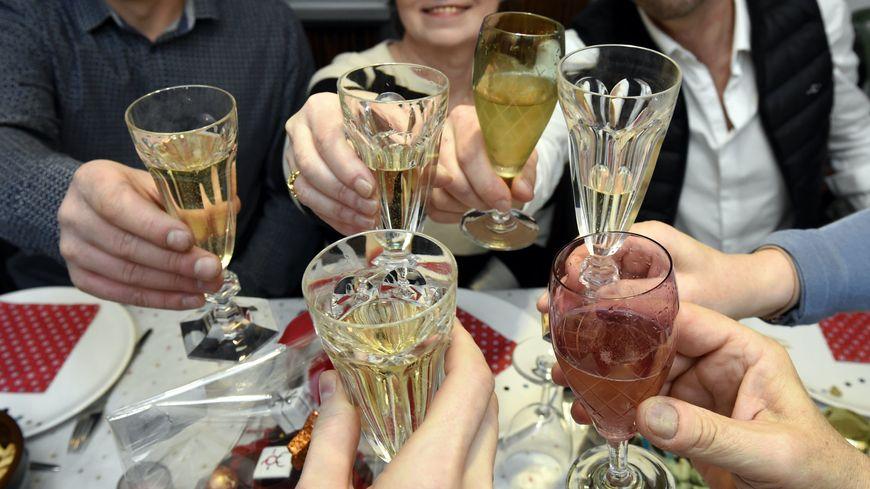 Près de 9 Français sur 10 prévoit de boire de l'alcool le soir du Nouvel An
