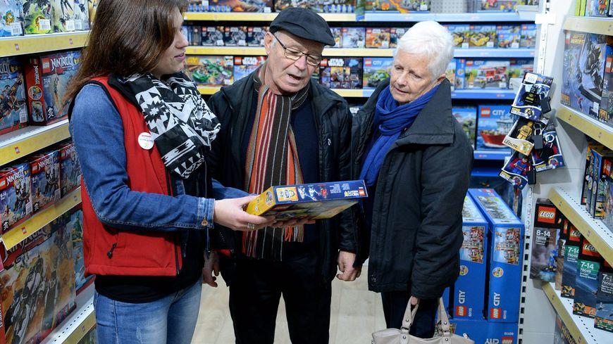 Au lendemain de Noël, les cadeaux qui ne conviennent pas sont tout de suite échangés en magasin