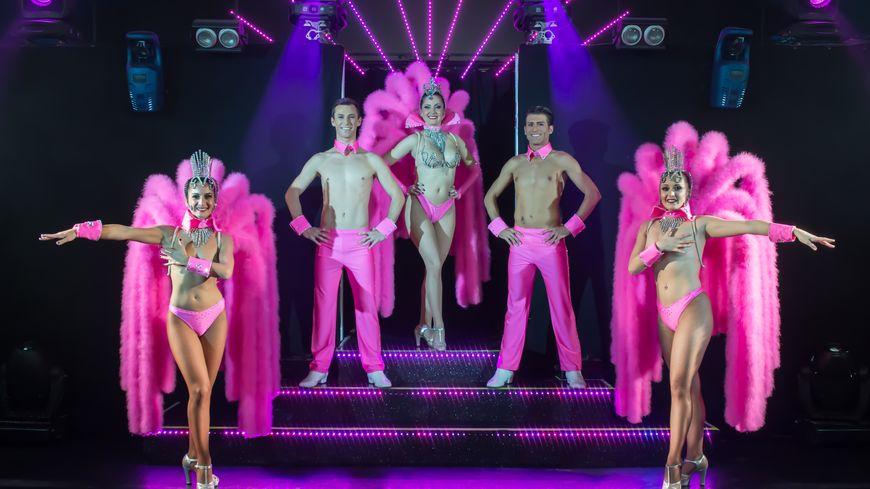 La revue du cabaret Monopolis à St Saturnin les Avignon