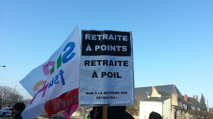 Parmi les slogans de la manifestation à Bourges