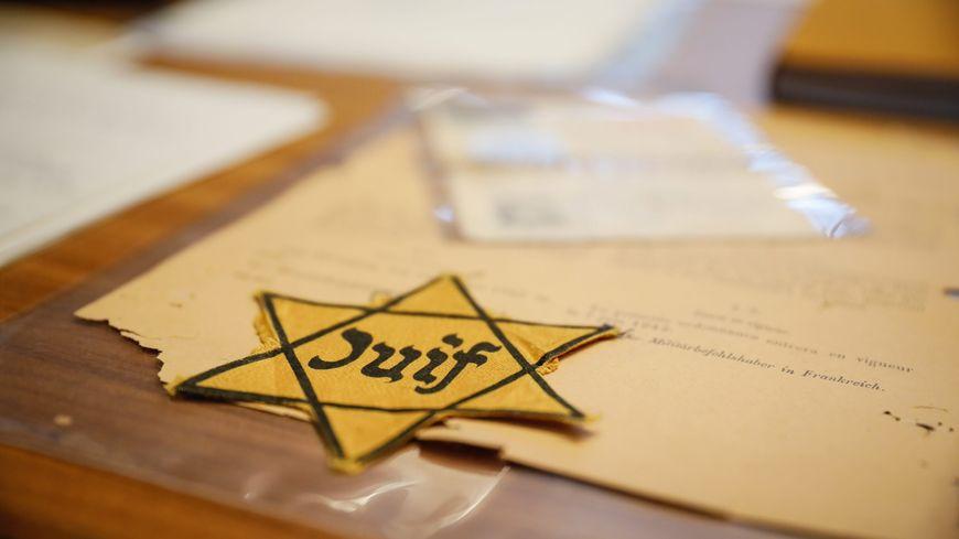 L'étoile jaune au mémorial de la Shoah