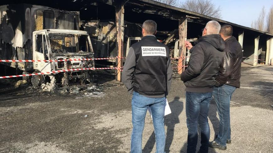 Une enquête a bien évidemment été ouverte après cet incendie criminel.