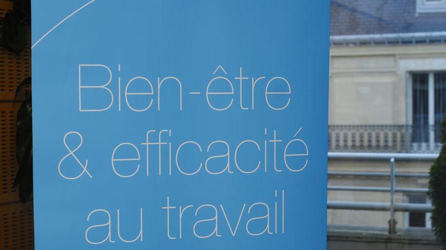 """Cet accord visant à améliorer le """"bien-être et la motivation"""" au travail s'appliquera au 47.000 salariés du groupe PSA en France (photo d'illustration)"""