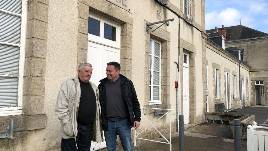 Henri et Cyril Victor, maire de la commune de Gouzon.