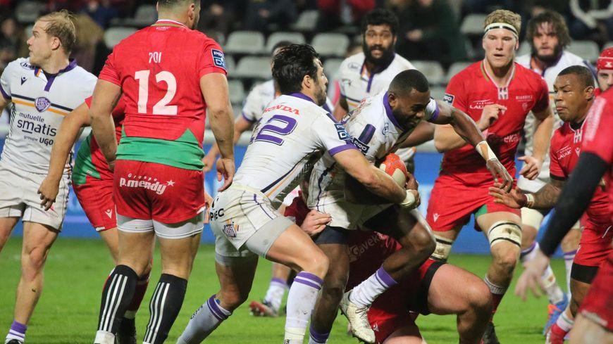 A la mi-temps, le BOPB menait 8-0 contre Soyaux-Angoulême sur la pelouse d'Aguiléra