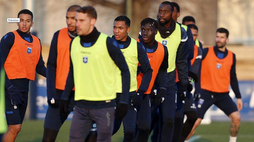 Programme chargé pour l'AJA avec trois matches en 10 jours : Guingamp, Clermont et un déplacement à Ajaccio.