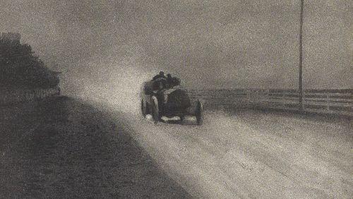 Les Hommes lents : résister à la modernité de Laurent Vidal et Éloge du retard d'Hélène L'Heuillet