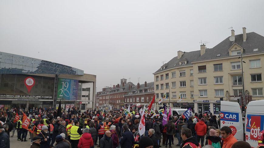 1 400 manifestants se sont rassemblés dans les rues d'Amiens ce vendredi 24 janvier