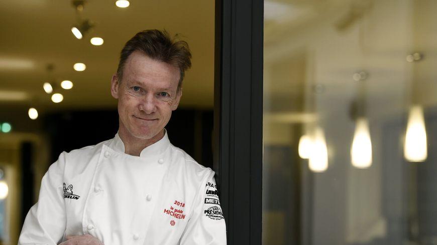 Patrick Fréchin, ne cache pas sa fébrilité avant la parution du guide Michelin.