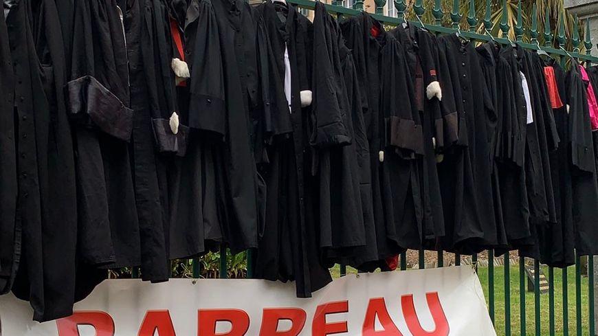 Des avocats en grève