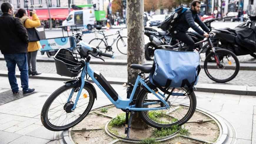 Le service de location de vélos électriques, Véligo, séduit les Franciliens depuis le début de la grève