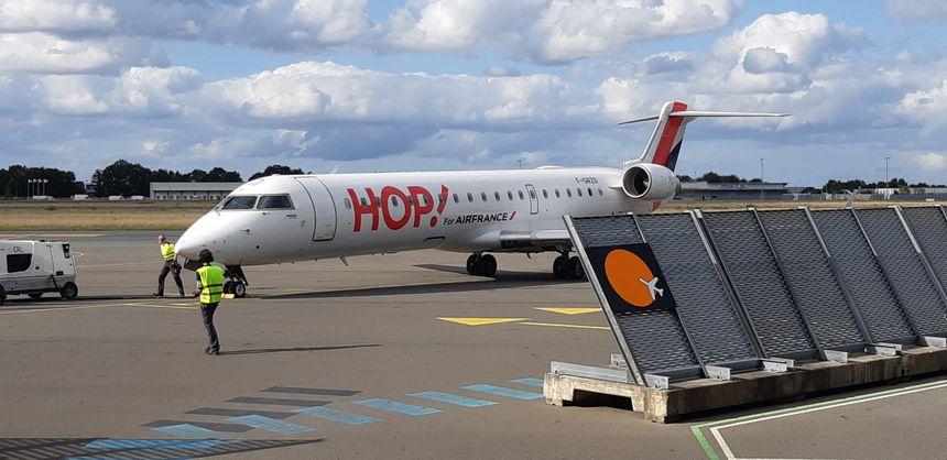 Hop! La compagnie assure trois rotations quotidiennes  entre Caen et Lyon