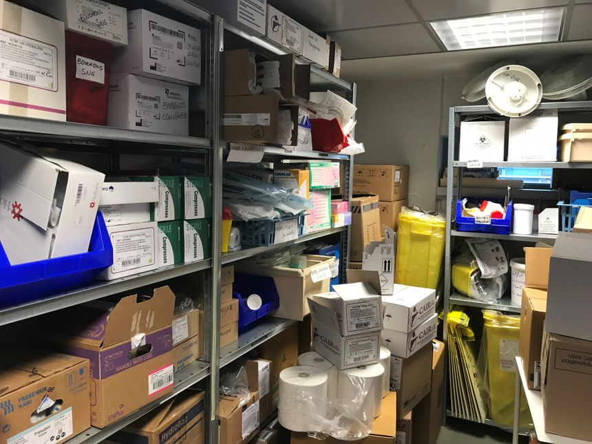 Les kits et protections pour prendre en charge d'éventuelles personnes infectées par le Coronavirus