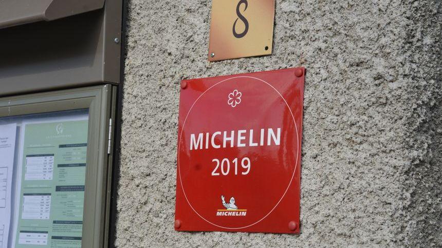 La Source, le restaurant gastronomique de la Charpinière à Saint-Galmier fête le 1er anniversaire de son étoile au Michelin.