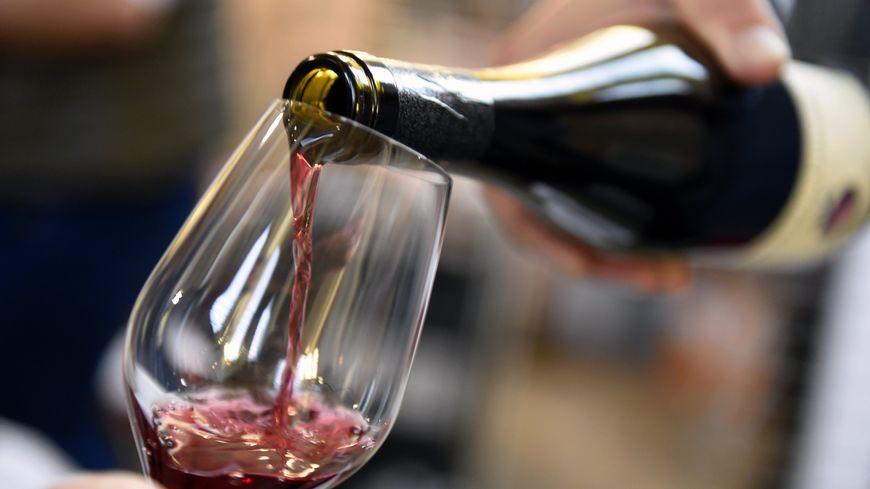 Photo d'illustration verre de vin.