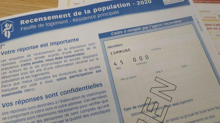 Deux documents sont à remplir, soit sur papier, soit sur internet, pour ce recensement 2020