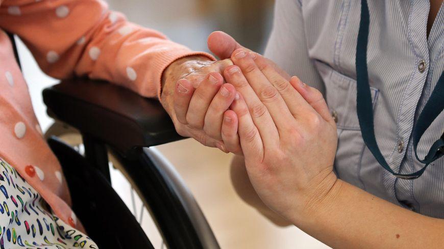 Des bénévoles accompagnent la fin de vie dans les services de soins palliatifs