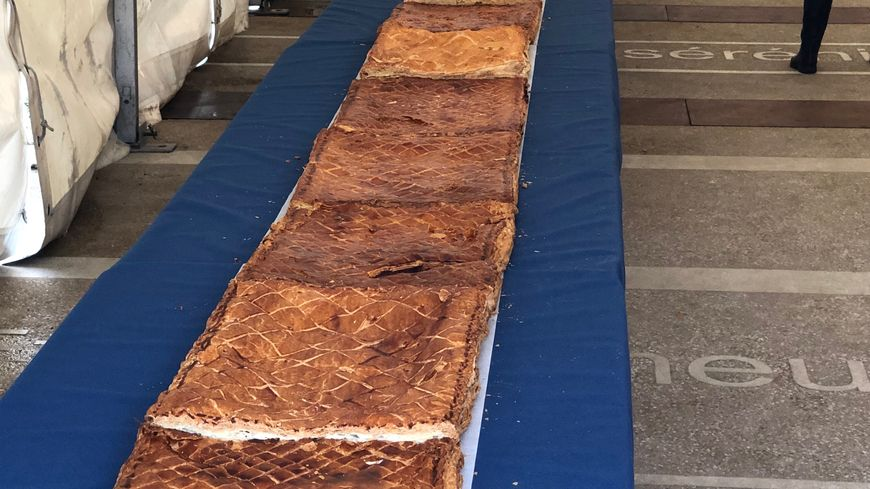 2 989 parts de galette se sont vendus au profit d'associations samedi matin
